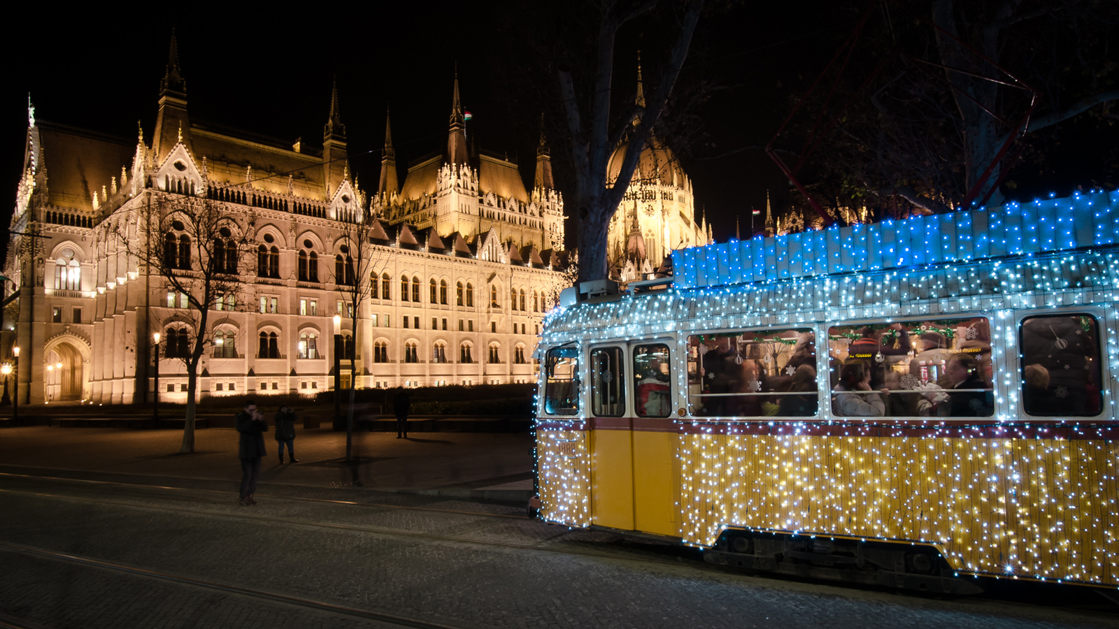 a wonderful family christmas in budapest