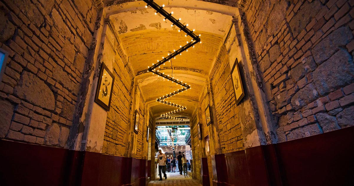 The Top 10 Ruin Bars in Budapest - The Corinthia Insider